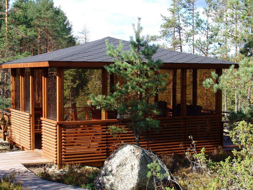 Pavilion with plexiglass 4 x 4 m