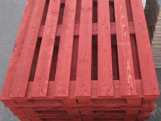 Packing crates and pallets