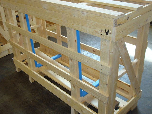 Wooden packing cages